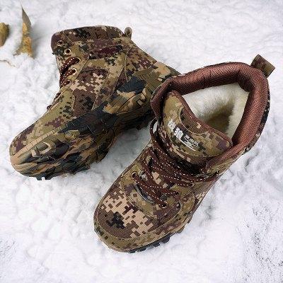 冬雪地靴男皮毛一体保暖加绒东北户外防滑军用棉鞋毛靴