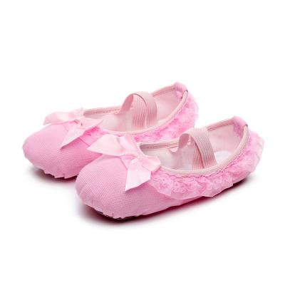 热卖舞蹈鞋儿童女芭蕾软底加绒加厚练功幼儿园宝宝花边公主女童跳舞鞋