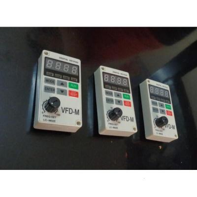 變頻器面板 LC-M02E LC-M2E VFD-M型全新臺達變頻器作面板保1年鍵盤顯示器