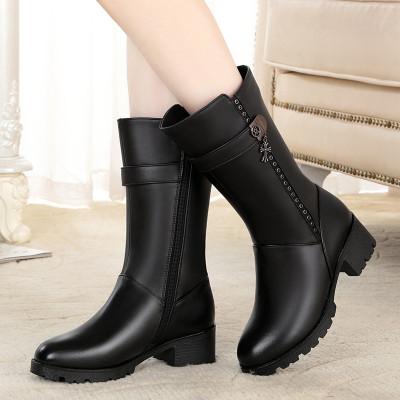 策霸女士头层牛皮冬新款中筒保暖真皮马丁靴女 妈妈鞋大码防滑中老年羊毛靴子女