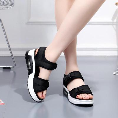 夏季新款厚底涼鞋女松糕運動涼鞋平底百搭一字帶女鞋 TCVV