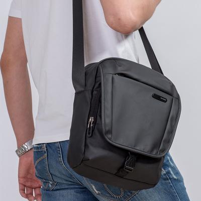 班歌BANGE單肩包男新款時尚多功能休閑大容量斜挎包潮防水運動包背包小包逛街小背包